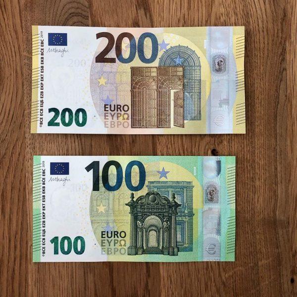 Achetez de faux billets de 200 euros