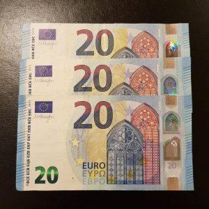 Faux billets 20 euros en vente