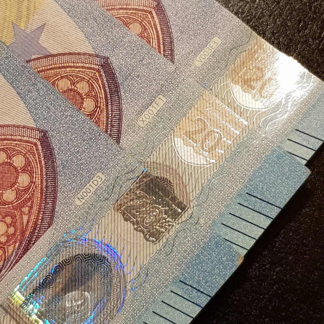 Achat fausse monnaie